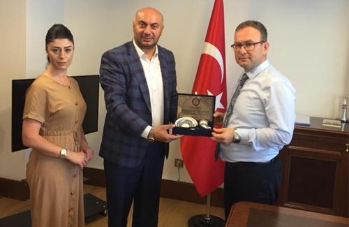 Beyoğlu Kaymakamı Sayın Mustafa Demirelli´yi Makamında Ziyaret Ettik